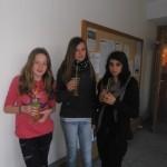 Evelyn, Claudia und Esma mit leckerem Cocktail