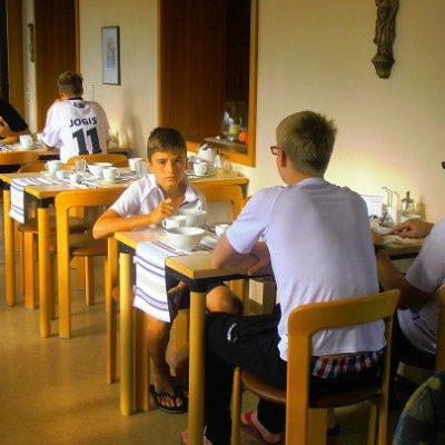 Frühstück im Kloster