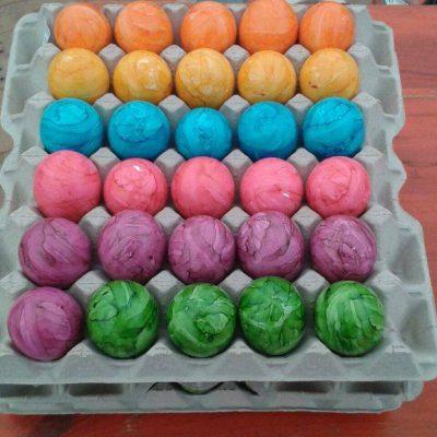 Viele bunte Eier